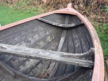Hölzernes Ruderboot Lizenzfreies Stockfoto