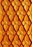 Hölzernes Schnitzen der gebürtigen siamesischen Art Stockfoto