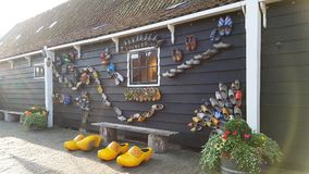 Hölzernes Schuhmuseum in Zaanse Schans, die Niederlande lizenzfreie stockbilder