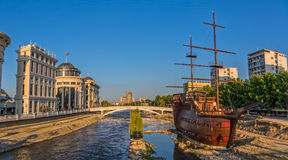 Hölzernes Segelboot Skopjes lizenzfreies stockbild