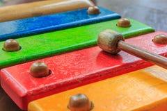 Hölzernes Spielzeug des Xylophons Lizenzfreie Stockfotos