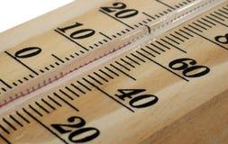Hölzernes Thermometermakro Stockbilder