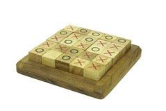 Hölzernes Tic-Tac Toe-Spiel Stockbilder