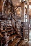 Hölzernes Treppenhaus der Weinlese Lizenzfreie Stockbilder