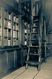 Hölzernes Treppenhaus der Weinlese Lizenzfreies Stockfoto