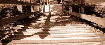 Hölzernes Treppenhaus Seattles Washington getan in Schwarzem u. in weißem Lizenzfreie Stockbilder