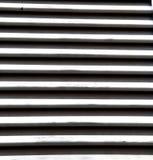 hölzernes venetianisches konkretes besnate Ziegelstein des Fensters sonniger Tages Stockfotografie