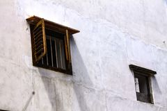 Hölzernes Windows in der Wand Stockfoto