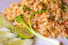 höna stekt rice royaltyfri fotografi