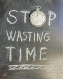 Hören Sie auf, Zeit zu vergeuden stockfotos