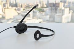Hörlurar med mikrofon av IP-telefonen Royaltyfri Fotografi