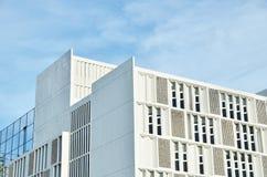 Hörn av en takbyggnad arkivfoto