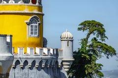 Hörn för slottda Pena i Portugal Arkivbild