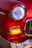 Hörndetalj för främre ljus av en klassisk amerikan 1950 för ` s Chevy Royaltyfri Foto