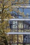 Höst i staden, Warszawa, Polen Arkivfoto