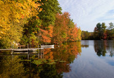 höst lakeshore royaltyfria foton