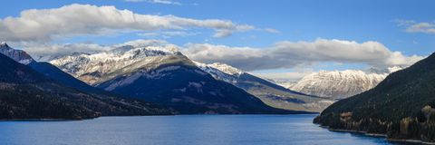 Höst på Kinbasket sjön i British Columbia Fotografering för Bildbyråer