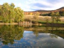 Höst sjö Fotografering för Bildbyråer