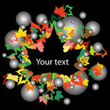 Höstbakgrund med färgrika lönnlöv på svart Arkivbild