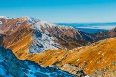 Höstberglandskap, Tatra berg royaltyfria foton