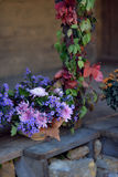 Höstbukett av blommor och bär Royaltyfri Bild