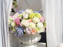 höstbuketten blommar vasen Royaltyfri Foto