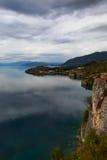 Höstdag på sjön Ohrid macedonia Royaltyfri Foto