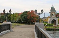 Hösten för nedgånglövverk parkerar sidor royaltyfria foton
