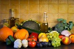 Höstgrönsak- och fruktbakgrund Fotografering för Bildbyråer