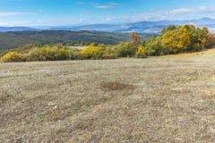 Höstlandskap av det Cherna Gora berget, Pernik region Fotografering för Bildbyråer