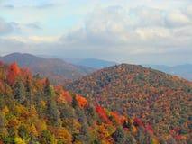 Höstlandskap i bergen Arkivfoto