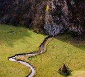 Höstlandskap i bergen med bunten av hö Royaltyfri Fotografi