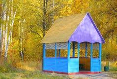 Höstlig summerhouse Arkivbild