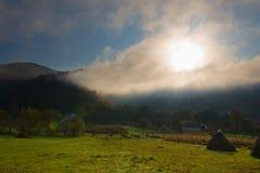 höstliggandemorgon ural russia Royaltyfri Foto