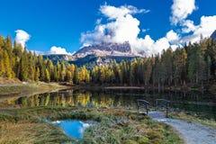 Höstmorgon på sjön Antorno royaltyfria foton