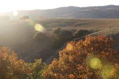Höstmorgonen, badade den plana prärien i solljus Royaltyfri Fotografi