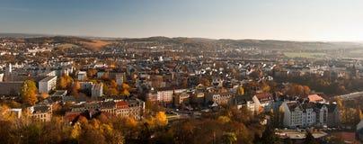 Höstpanorama av den Plauen staden i Sachsen royaltyfri fotografi