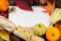 Höstram med säsongsbetonade grönsaker arkivfoto