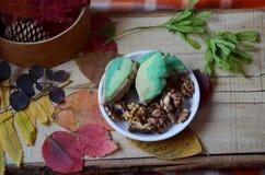 Höstskörd av frukter och grönsaker på bytabellen Matbakgrund, höstbegrepp Bästa sikt, slut upp, kopia royaltyfri fotografi