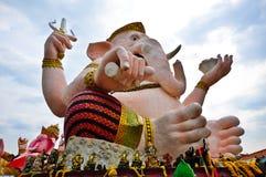 Hövdad gudstaty för elefant i Thailand Royaltyfri Foto