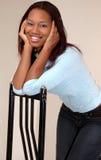 Hübsche Afroamerikanerfrau Lizenzfreies Stockfoto