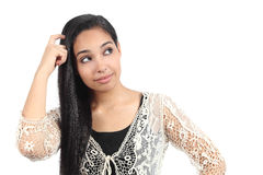 Hübsche arabische Frau mit einem Zweifel lizenzfreie stockfotografie