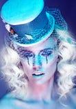 Hübsche Frau auf futuristische Mode Lizenzfreie Stockfotografie