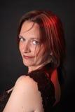 Hübsche Frau in ihren Vierzigern Lizenzfreies Stockfoto