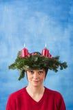 Hübsche Frau mit Aufkommen Wreath Lizenzfreie Stockbilder