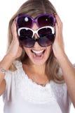 Hübsche Frau mit Sonnenbrille Lizenzfreie Stockfotos
