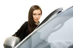 Hübsche Frauen und Auto Lizenzfreie Stockfotos