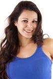 Hübsche lächelnde Frau mit dem langen Haar Lizenzfreie Stockfotografie
