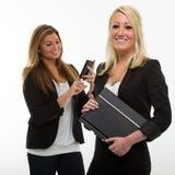 Hübsche lächelnde Geschäftsfrau Lizenzfreie Stockfotografie