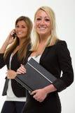 Hübsche lächelnde Geschäftsfrau Stockfotografie